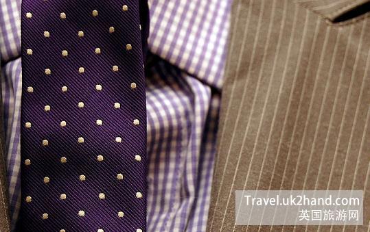 英国领带和衬衫颜色的搭配