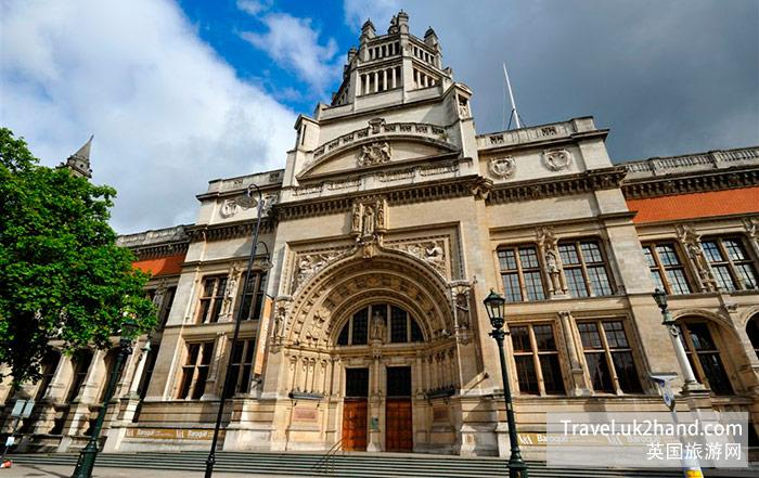 Victoria and Albert Museum 的大门
