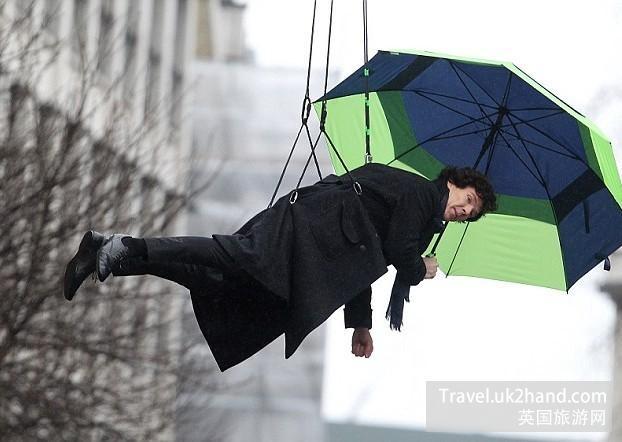 夏洛克福尔摩斯打伞下降