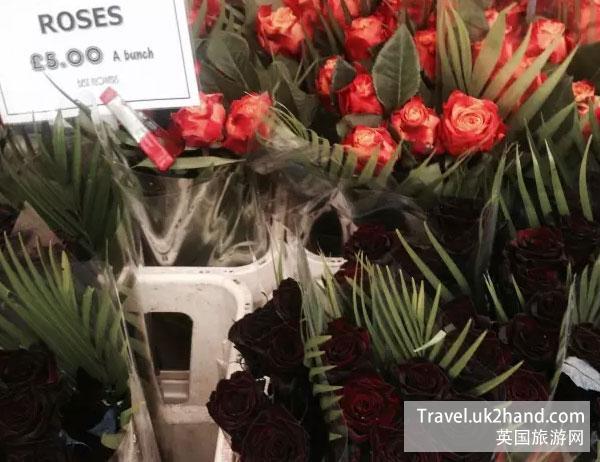 5磅一扎的特选玫瑰,折合人民币不到10块钱一枝