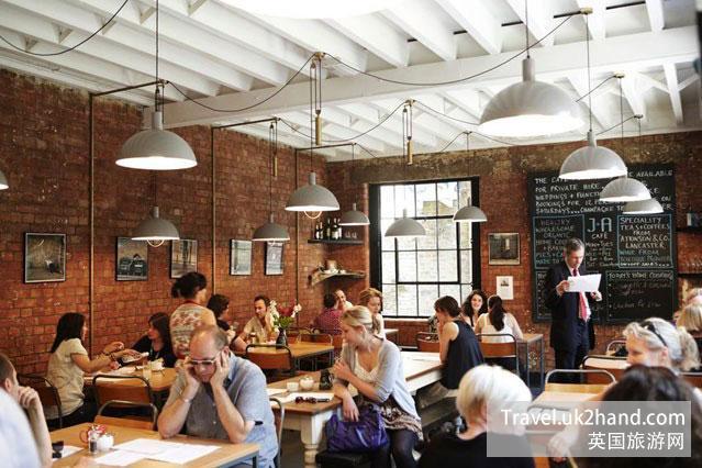 伦敦隐蔽的咖啡馆人满为患