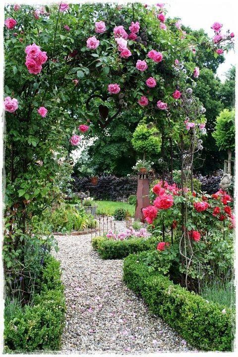 玫瑰拱形花园门