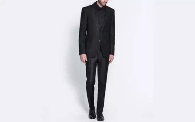 Zara 黑色基本款西装夹克