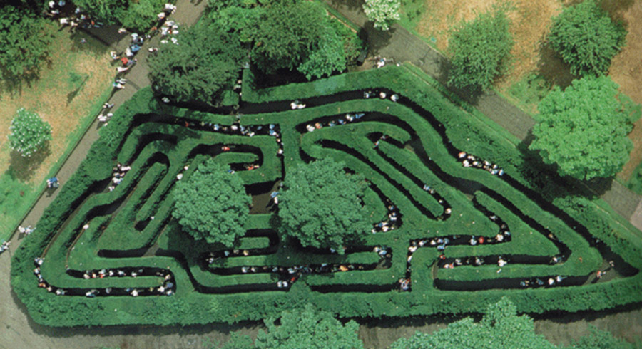Hampton Court Palace maze, London