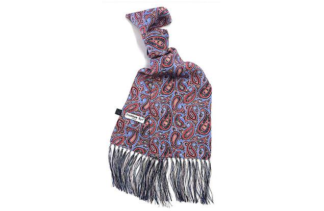 Peckham Rye 以传统维多利亚时代的风格及手工制作的真丝围巾
