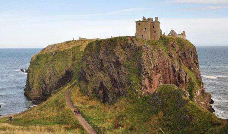 苏格兰Stonehaven海边城堡