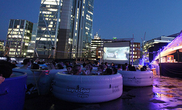 Hot Tub Cinema 露天影院