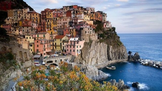 Italy-Cinque-Terre-veduta-di-Manarola-La-Spezia-La-Spezia-Cinque-Terre-Manarola.jpg