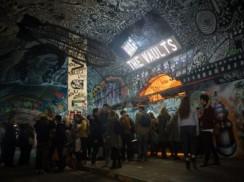伦敦隧道中的艺术剧院THE VAULTS