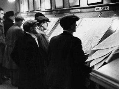 Unemployed-men-in-London-007.jpg