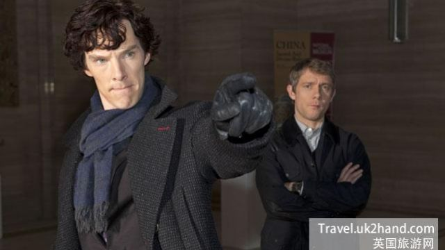 sherlock-and-scarf.jpg