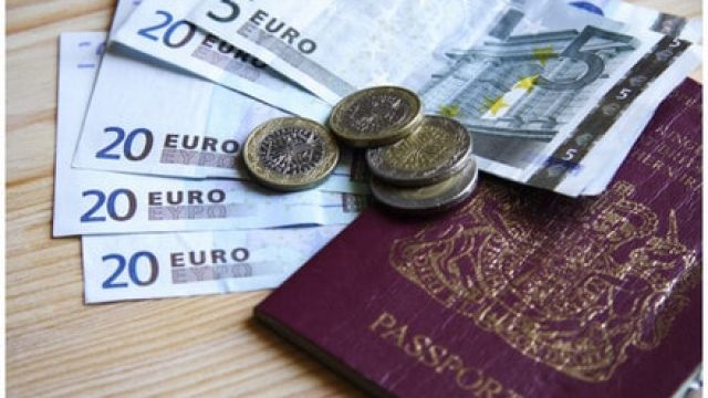 travel-money.jpg