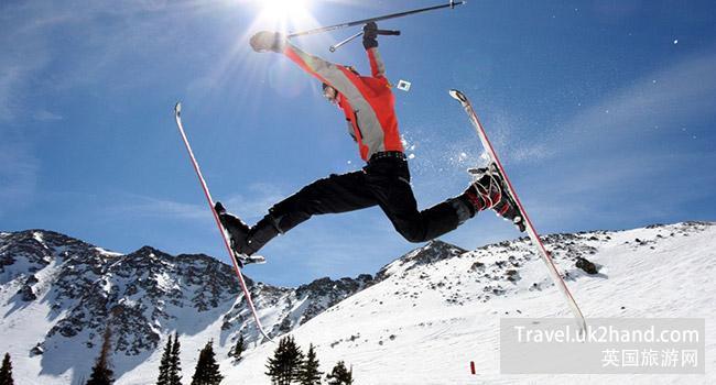 滑雪别跳这么高!