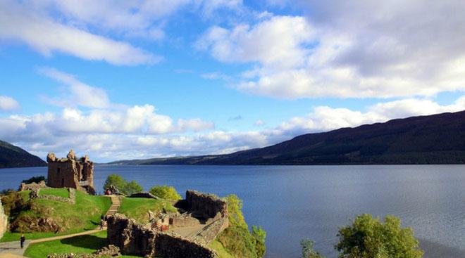 loch ness 苏格兰尼斯湖风景