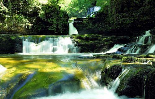 威尔士瀑布