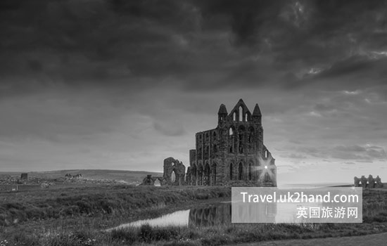 WHITBY ABBEY 旅游