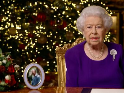 queen-2020-xmas.jpg